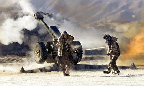 18nato-soldiers-firing-heav-009.jpg