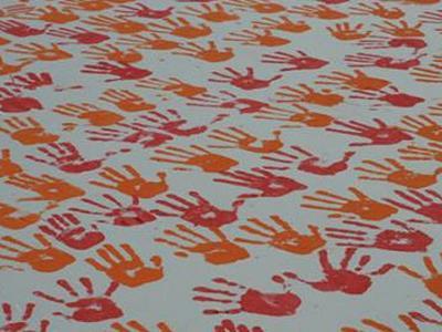 22gaza_kids_hands_un.jpg