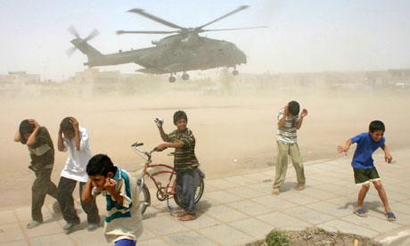 26iraqi-children-take-cover-008.jpg