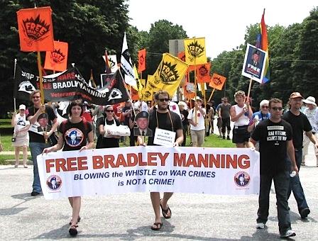 29free-bradley-manning-fort-meade.jpg