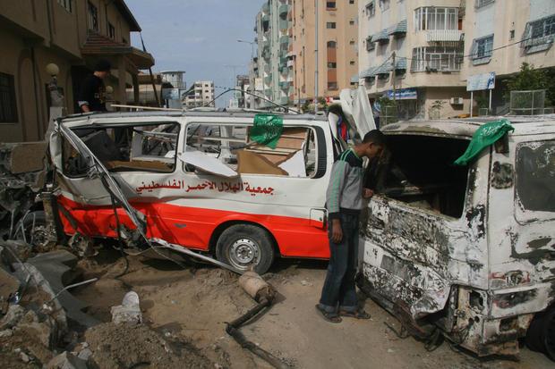 3-gaza-ambulance.jpg