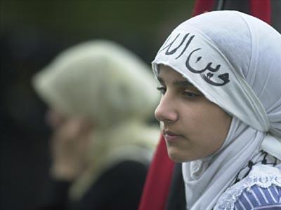 5girl_in_hijab.jpg