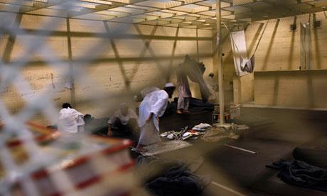 9afghan-detainees-prepare--010.jpg